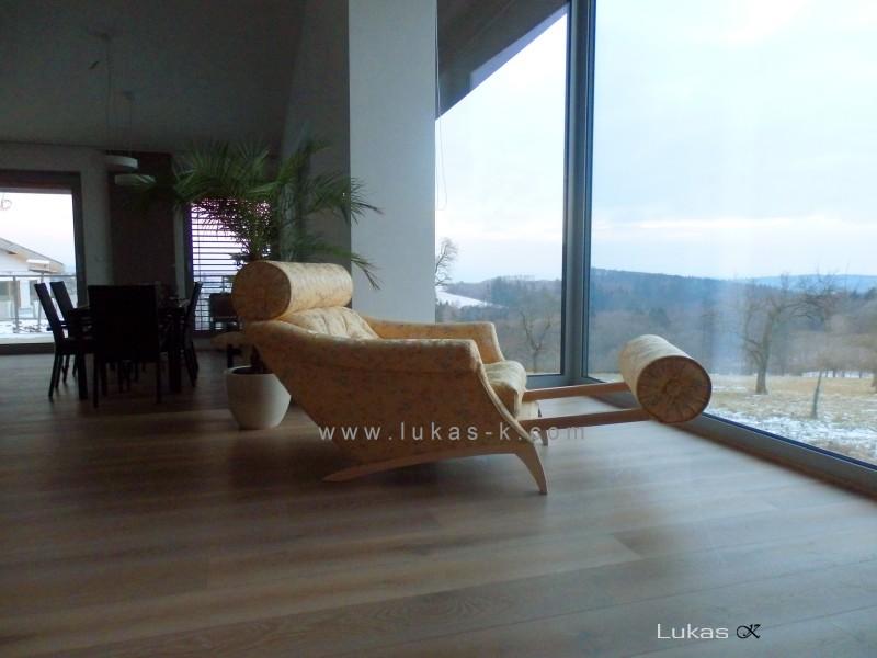 luxusní odpočinkové křeslo-lenoška